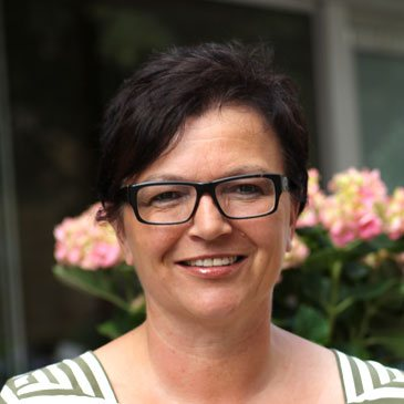 Karin Hoof